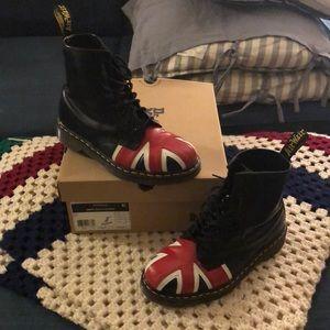 Union Jack 8 Eye Boot